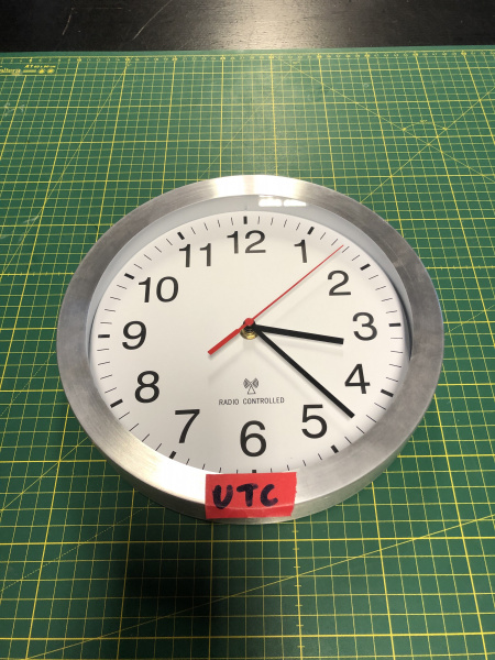 Datei:Ntc clock original.jpg